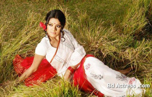 Bangladeshi Model Tisha red white saree