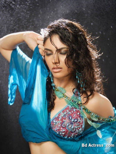 Glamour Model Sherin photo