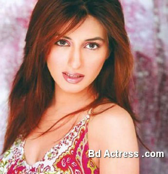 Pakistani Model Iman Ali lovely face