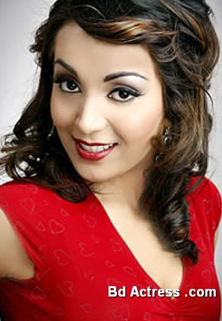Pakistani Model Batool Cheema picture