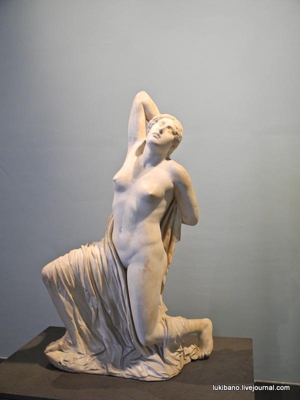 Древние статуи голых женщин фото 496-171