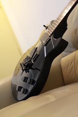 epiphone les paul studio midnight vine in ebony with floyd rose. Black Bedroom Furniture Sets. Home Design Ideas
