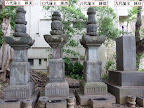 光林寺歴代秋月家藩主墓所