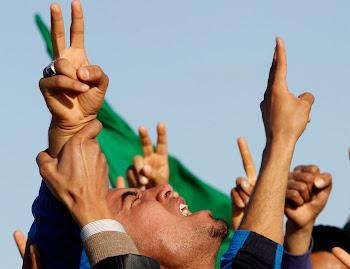 波士顿大图集 – 联合国空袭帮助利比亚反政府武装