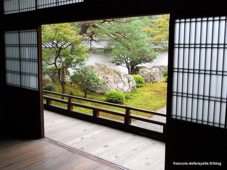 La maison traditionnelle japonaise propose une ouverture sur le dehors