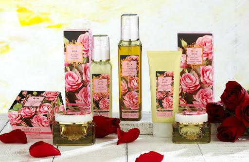 玫瑰精油、阿輸吠陀醫學、洗面乳