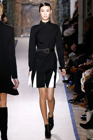 yves_saint_laurent___pasarela_980515441_