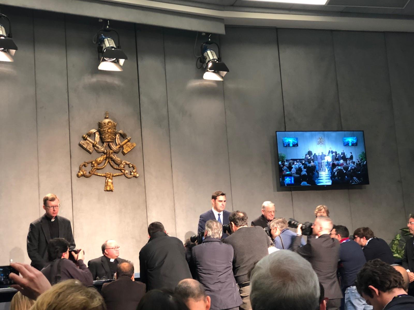 CHUYÊN MỤC: 'Tôi sẽ không bao giờ bỏ cuộc,' Đức Tổng Giám mục Scicluna nói tại buổi giới thiệu Hội nghị Thượng đỉnh của Vatican về việc Bảo vệ Trẻ Vị thành niên