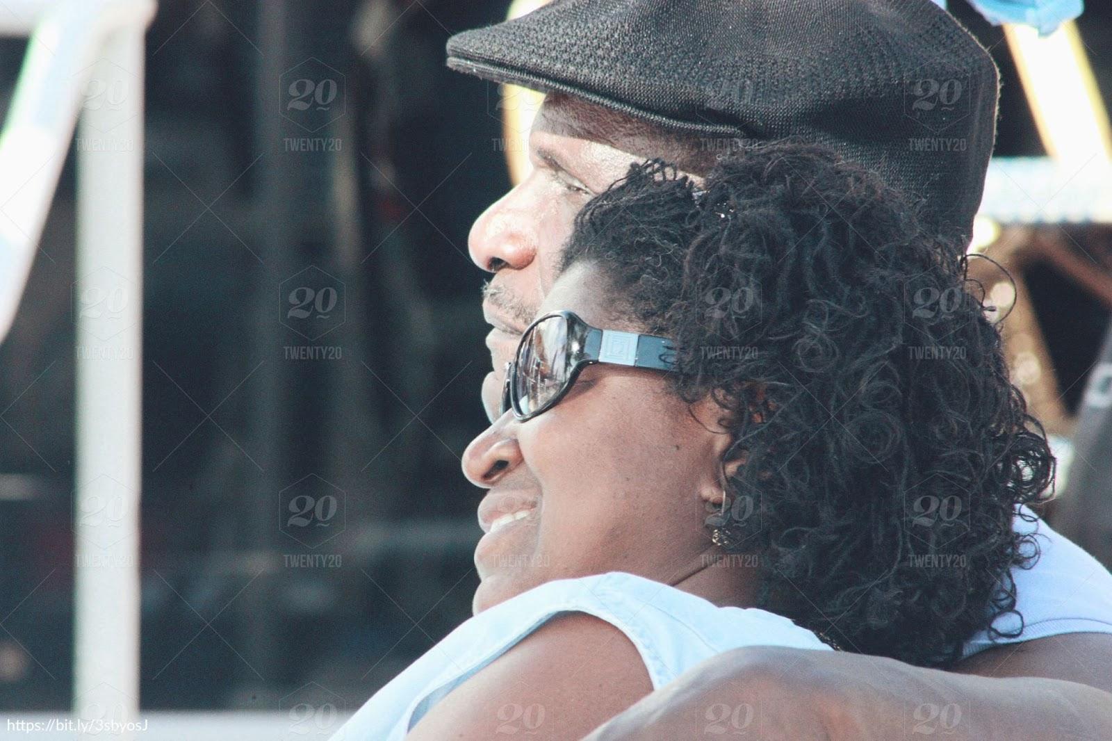 older-couple-relaxing-in-sun