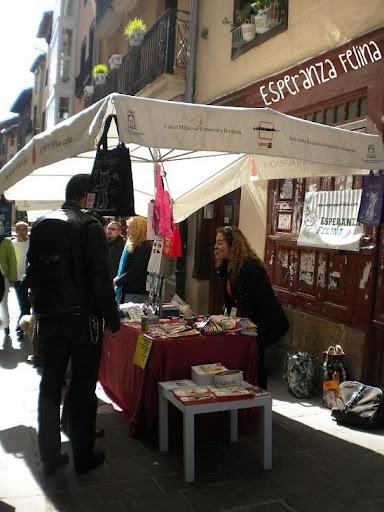 """Esperanza Felina en """"El Mercado de La Almendra"""" en Vitoria - Página 2 DSCN4279"""