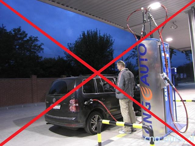 Fot. Obowiązujący zakaz samodzielnego tankowania budzi powszechny sprzeciw wśród entuzjastów CNG