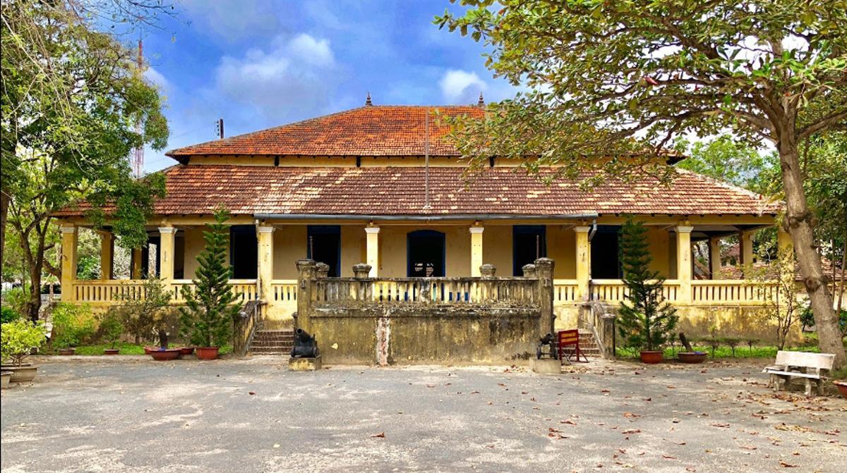 Image result for Dinh Chúa Đảo côn đảo
