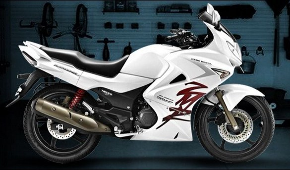 2011 Hero Honda Karizma ZMR? Not really | Bike Chronicles of India