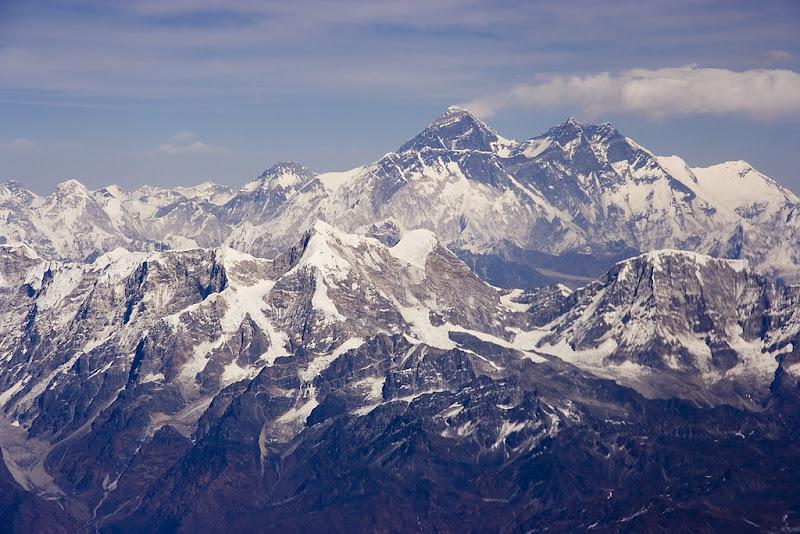 Еверест (Джомолунгма) суровый и непреступный