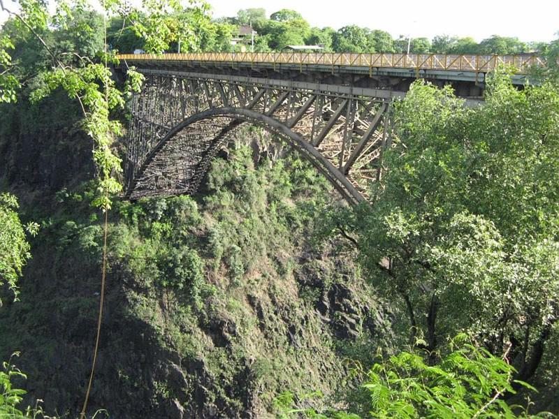 Первый в Замбии мост
