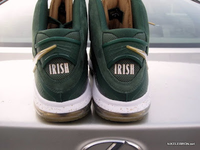 nike air max lebron 8 pe svsm away 3 05 Nike Air Max LeBron 8 V/1   SVSM Home&Away   Detailed Look
