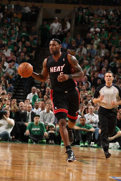 LeBron James Pours 35 Points in Overtime Win Miami Takes 31 Lead