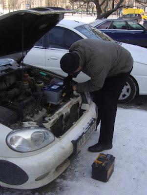 Замена аккумулятора машины на морозе