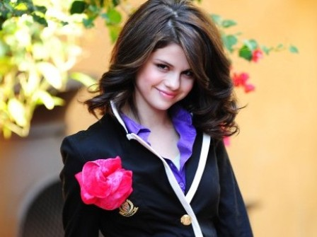 selena gomez hot pics 2011. selena gomez hot wallpapers