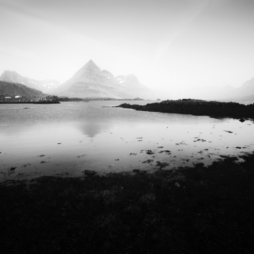 Breathtaking Black and White Iceland Landscapes photographs