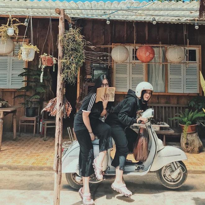 Khong can di dau xa, 5 homestay o Da Lat duoi day van day goc song ao hinh anh 11