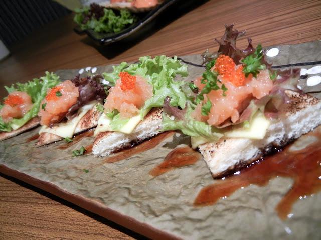 Salmon Kanappe