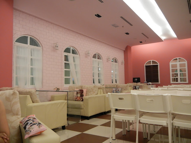 maid cafe interior