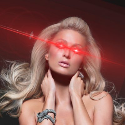 Paris Hilton portant les laser eyes - Bitcoin