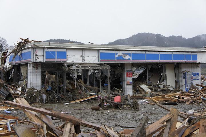 The Lawson shop in Rikuzentakata was entirely annihilated