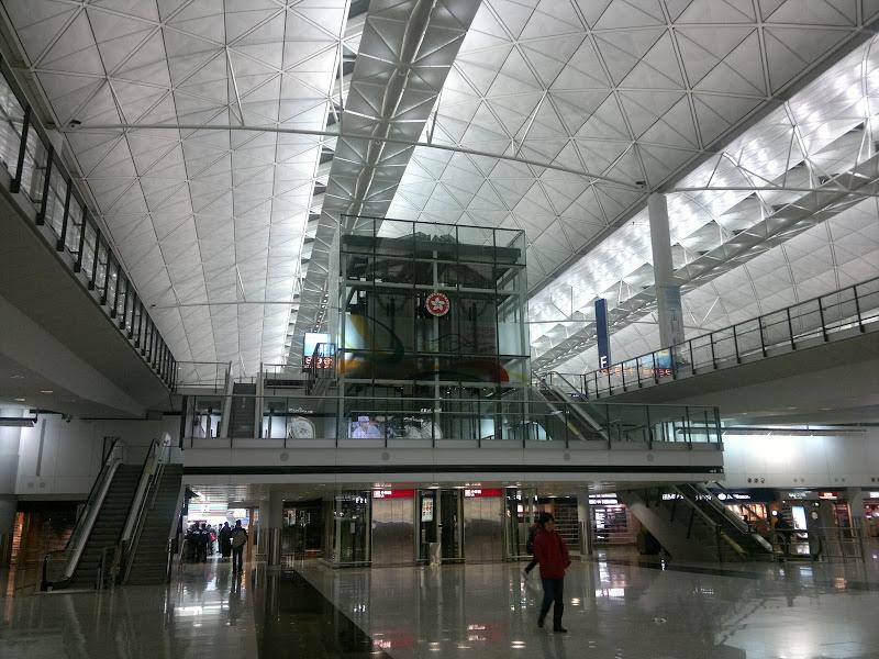 Bandara%20Hongkong Jalan Jalan Di Hongkong Disneyland, Pengalaman Tak Terlupa