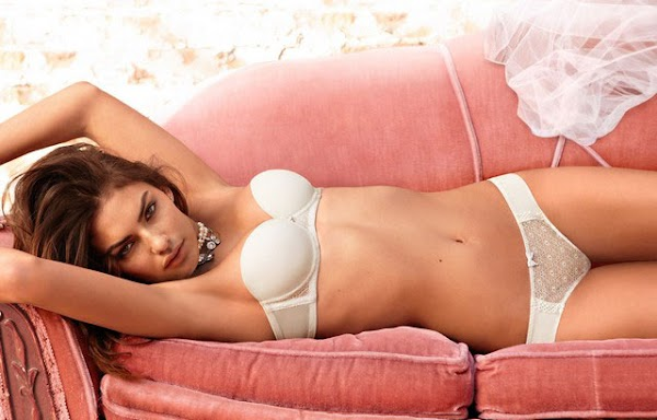 Alyssa Miller looks like a honeymoon dream(lingerie-0photos)0