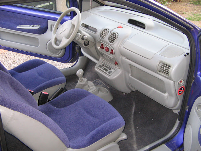 Int rieur twingo 16v 2002 showroom for A l interieur 2007