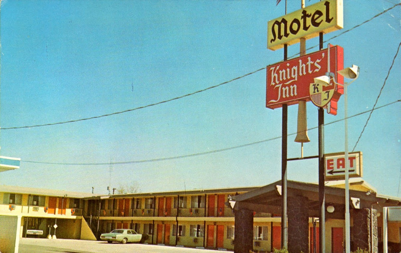 Knights' Inn Motel