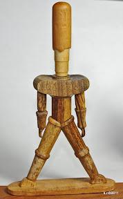 Erste von 3 Figurinen, 1919 - naturbelassen