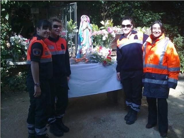 Varias de las Voluntarias que acudieron a la entrega Floral a nuestra Patrona.