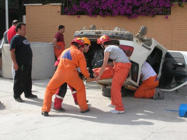 Extraccion de una victima desde un vehiculo volcado sobre tu techo.