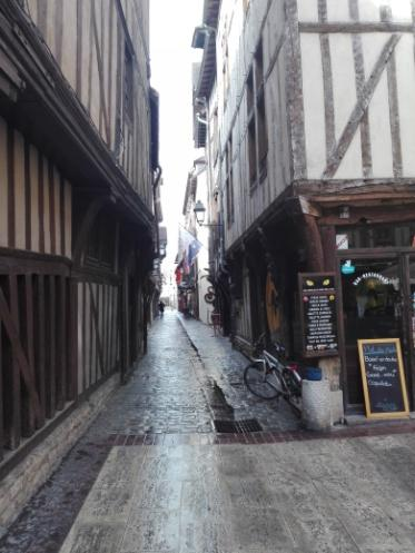 C:\Users\Francesco\Documents\Foto\Resistenza 18.19\Erasmus plus Troyes 17.3.19 23.3.19\IMG_20190318_134115.jpg