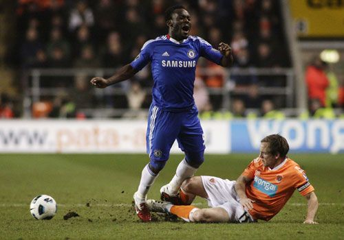 David Vaughan tackles Michael Essien, Blackpool - Chelsea