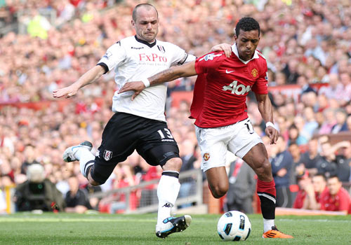 Nani with Murphy, Manchester United - Fulham