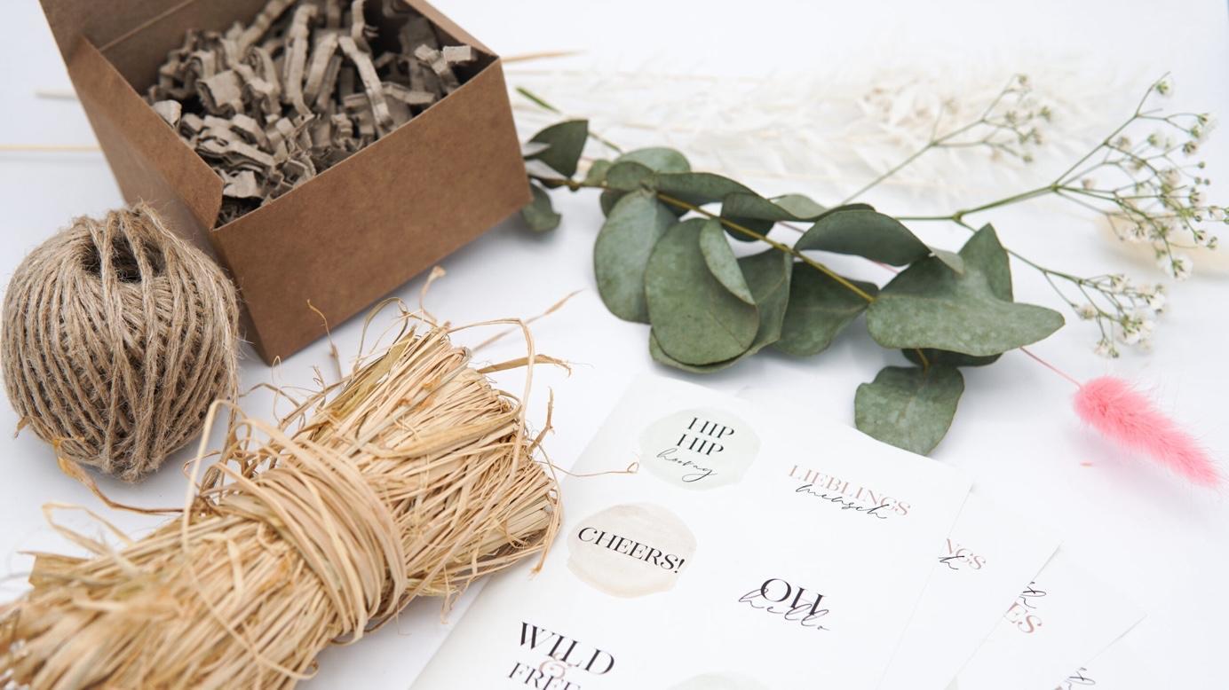Material für nachhaltiges Geschenkeverpacken