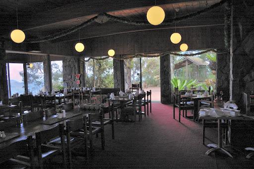 ビナブラマウンテンロッジのレストランの写真