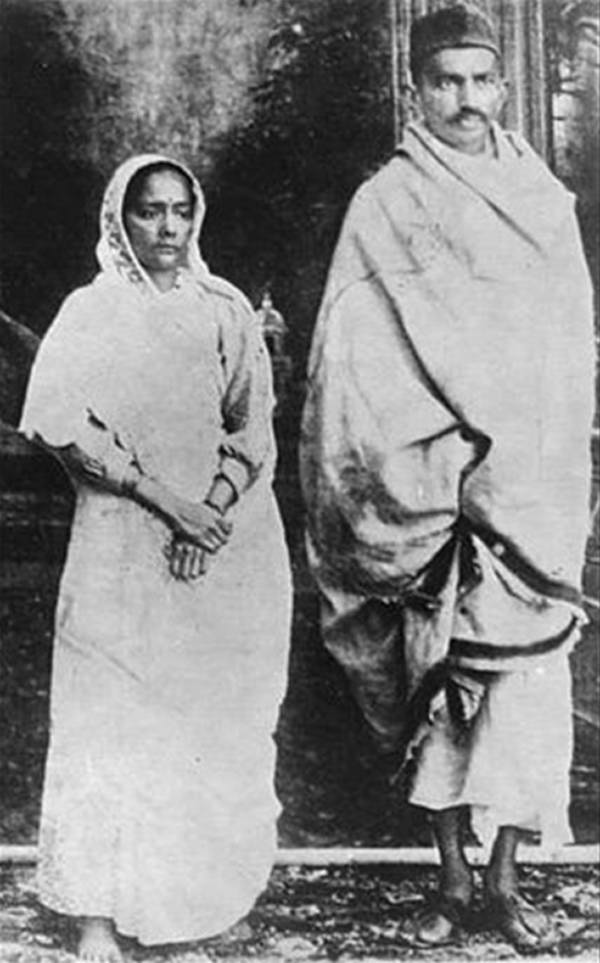 Old India Photos - Gandhiji with his wife
