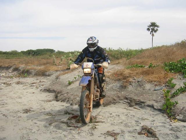 Vos plus belles photos de motos - Page 4 07.02.2007%2013%20bis