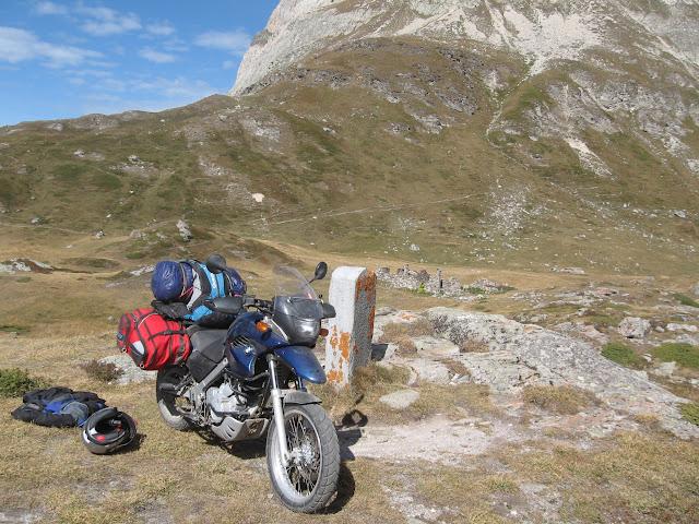 Vos plus belles photos de motos - Page 4 Alpes%20CH-FR-IT%20-%20Du%2004%20au%2012.09.2010%20153