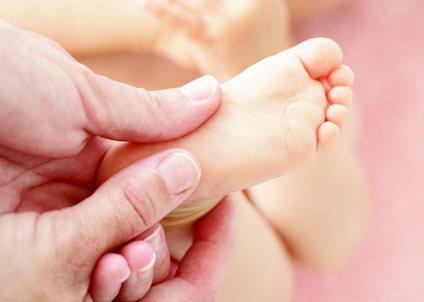 massage long ban chan tre con
