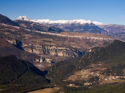 Panoràmica dels Cingles de la Garganta i Cingles de Vallcebre vistos des del Sobrepuny (un altre dia)