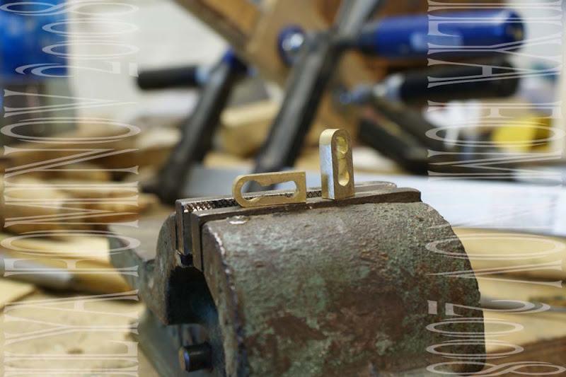 Изготовление латунной фурнитуры для мебели.