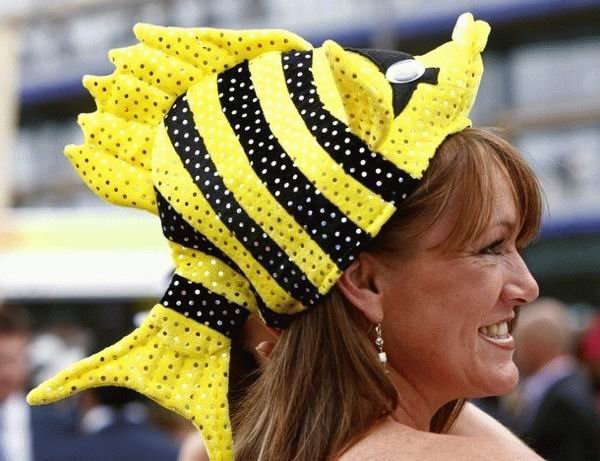 23 Funny Creative woman hats