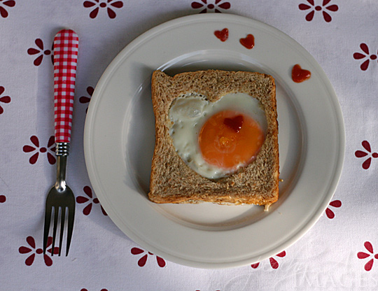 Valentine's Egg in a Hole | www.thepeachkitchen.com