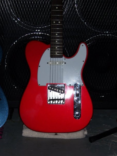 Telecaster With A Strat Neck Pickup